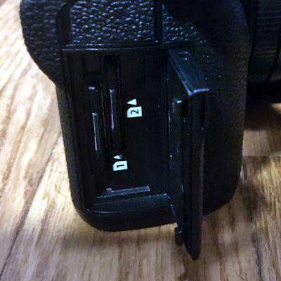 Fujifilm X-T3 slot schede di memoria